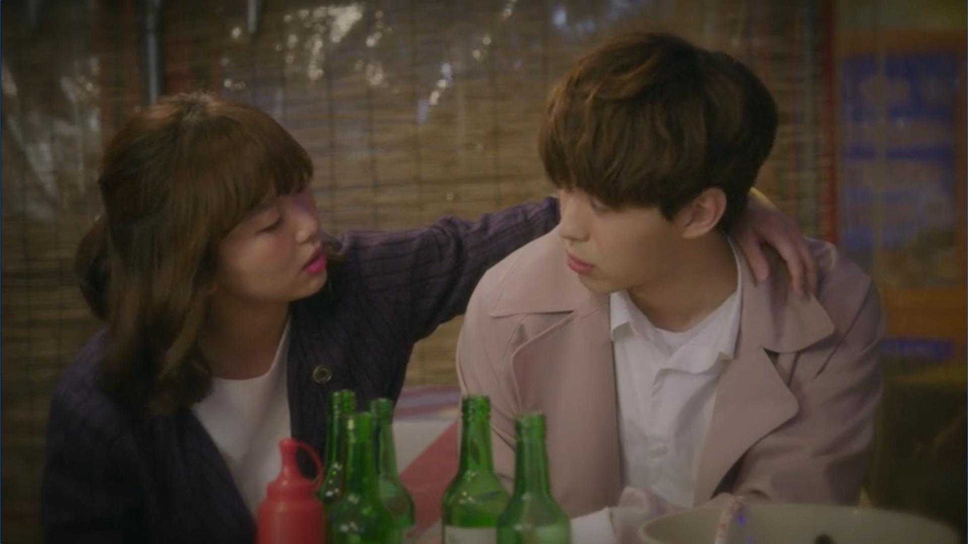 Wednesday 3:30 PM Seon Eun-woo and Yoon Jae-won drinking soju
