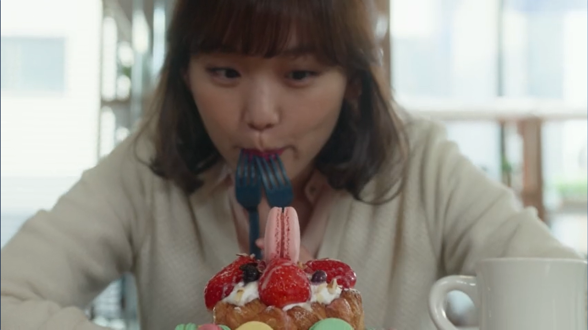 Wednesday 3:30 PM Seon Eun-woo macaron and cake date