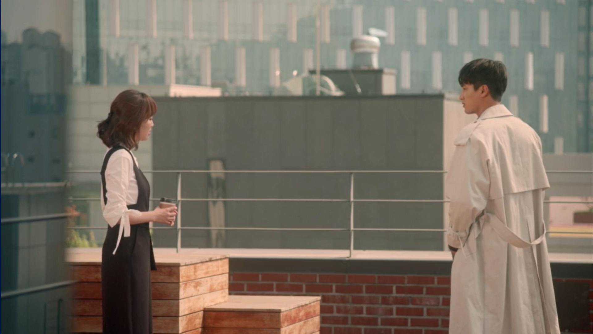 Wednesday 3:30 PM Seon Eun-woo and Baek Seung-gyu talking