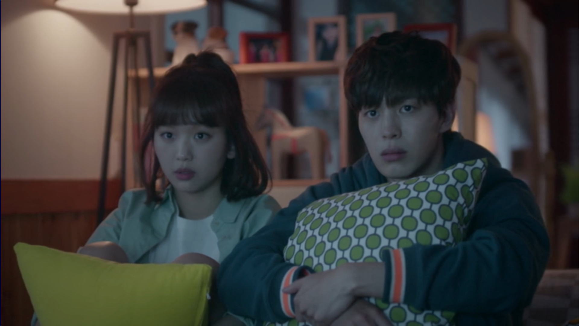 Wednesday 3:30 PM Seon Eun-woo and Yoon Jae-won watching R movie