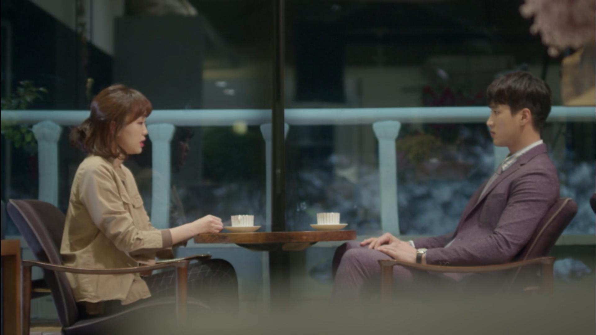 Wednesday 3:30 PM Seon Eun-woo and Baek Seung-gyu talk over coffee