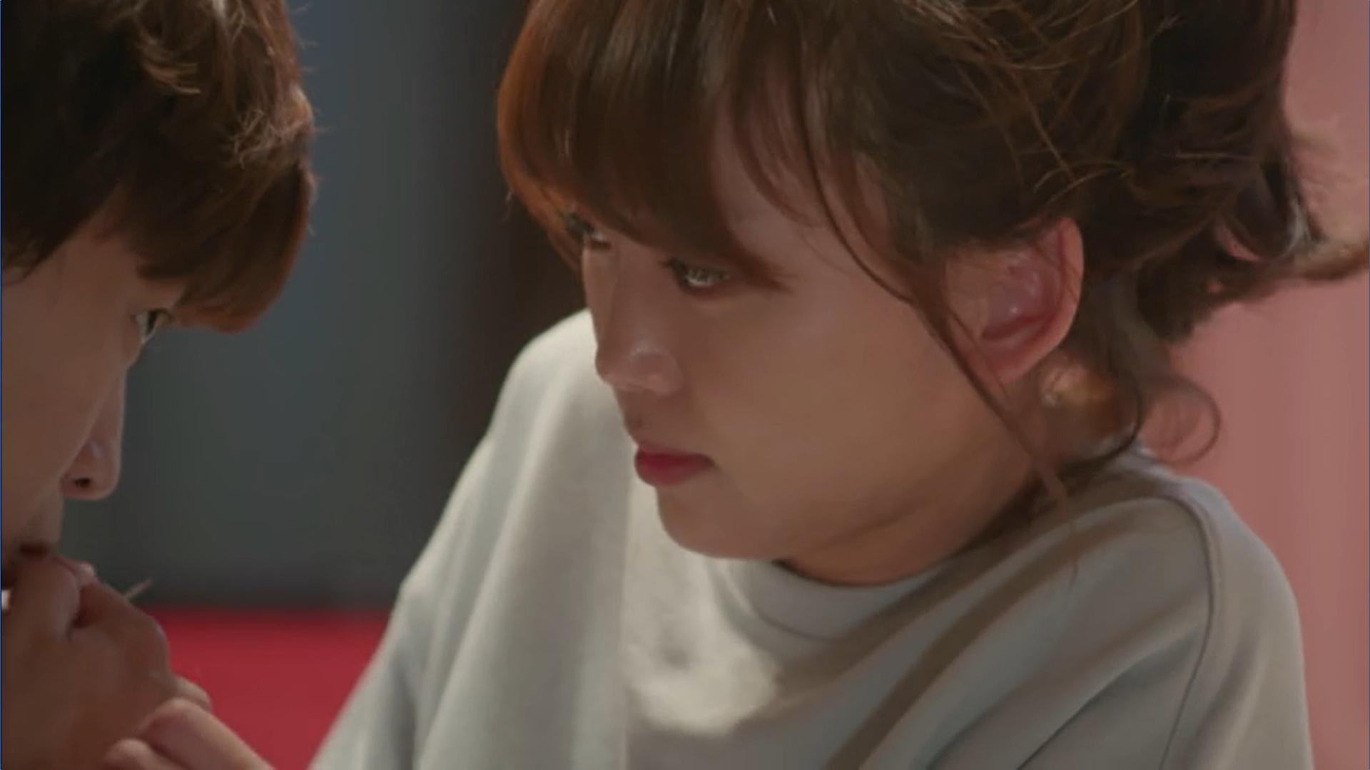 Wednesday 3:30 PM Yoon Jae-won sucking blood from Seon Eun-woo's finger