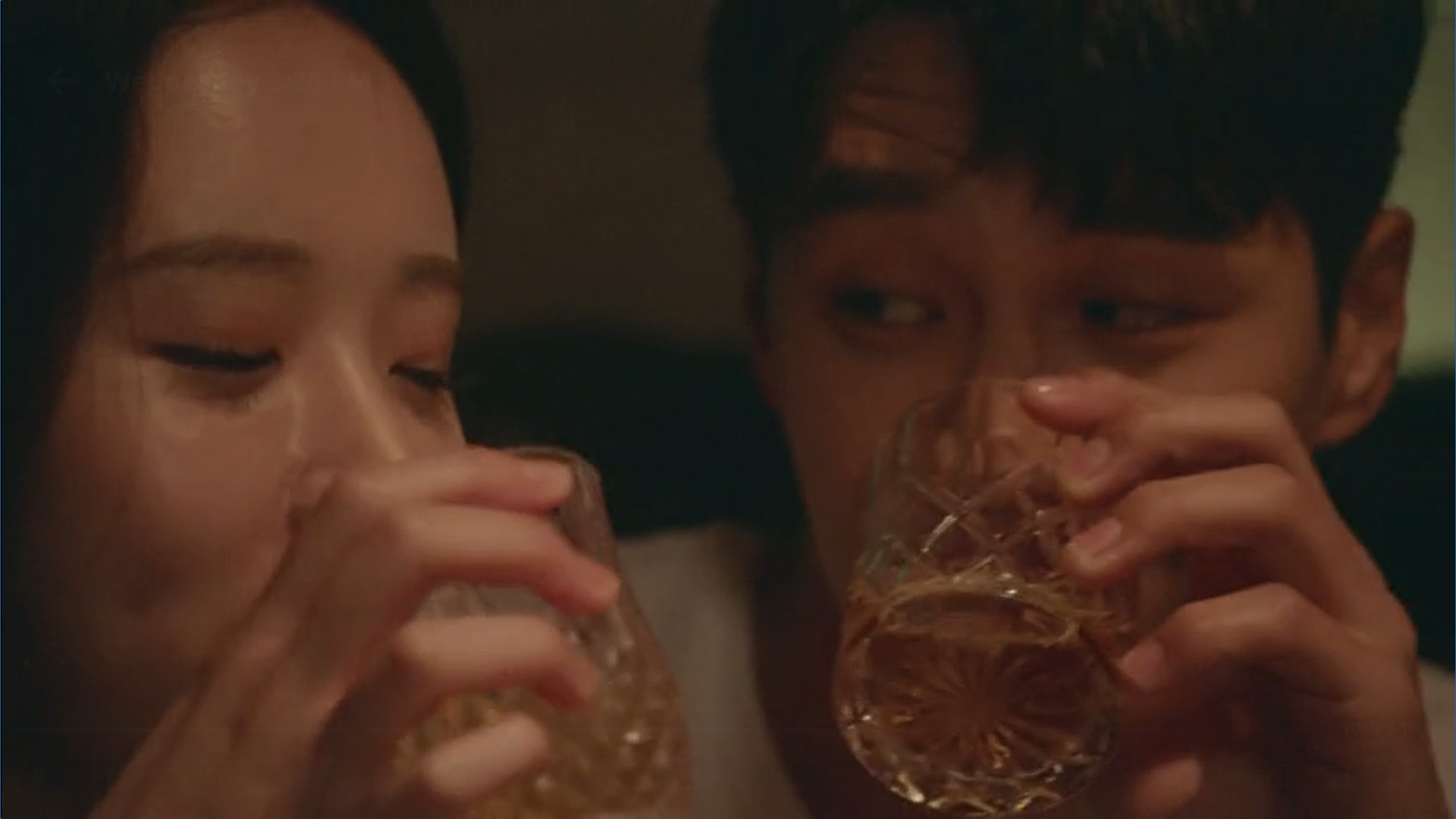 Wednesday 3:30 PM Baek Seung-gyu drinking alcohol at the club