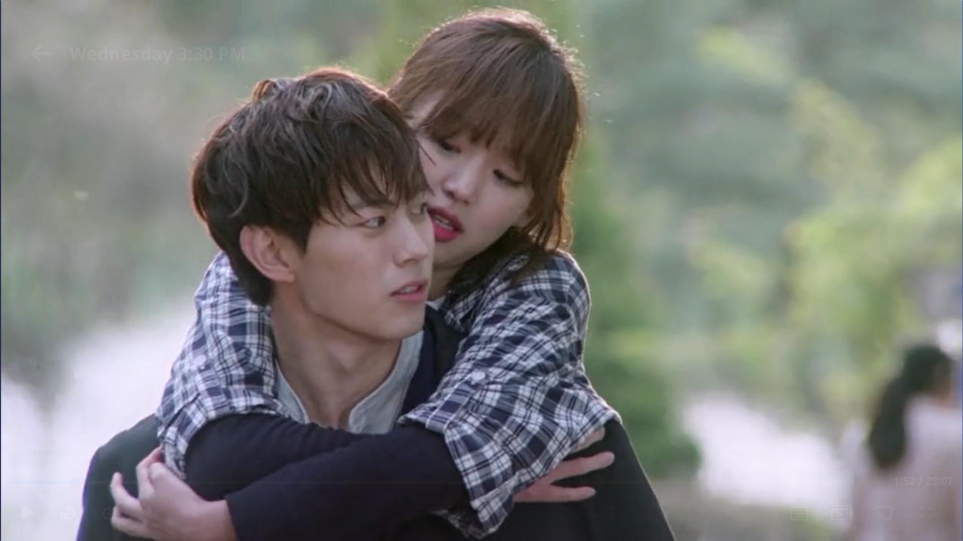 Wednesday 3:30 PM Seon Eun-woo and Yoon Jae-won piggyback ride