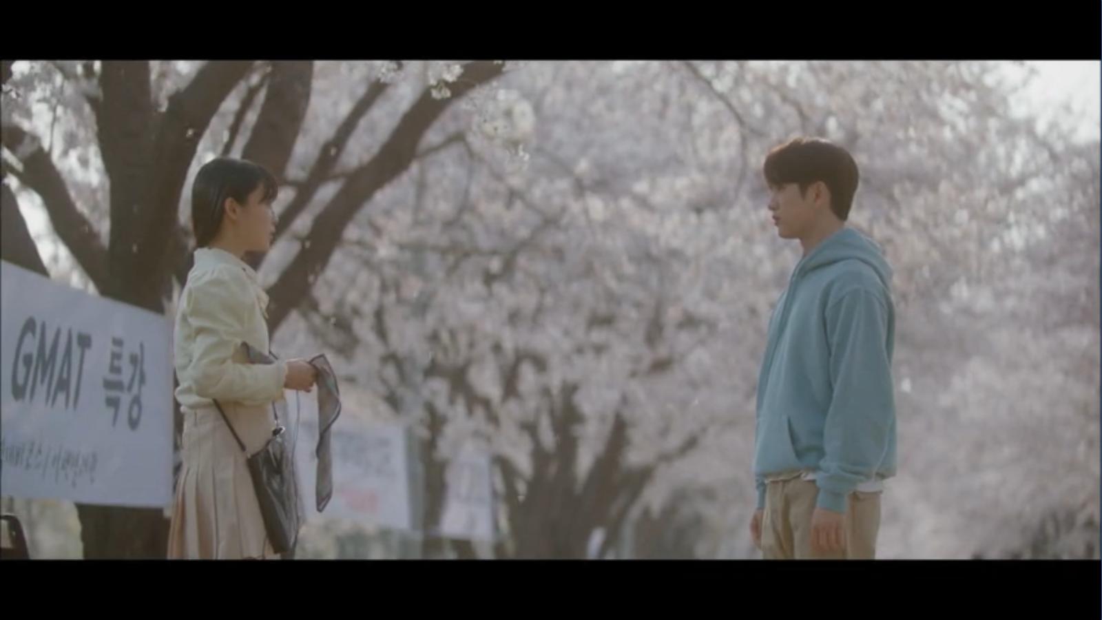 When My Love Blooms Episode 2 Han Jae-hyeon and Yoon Ji-soo talking in college